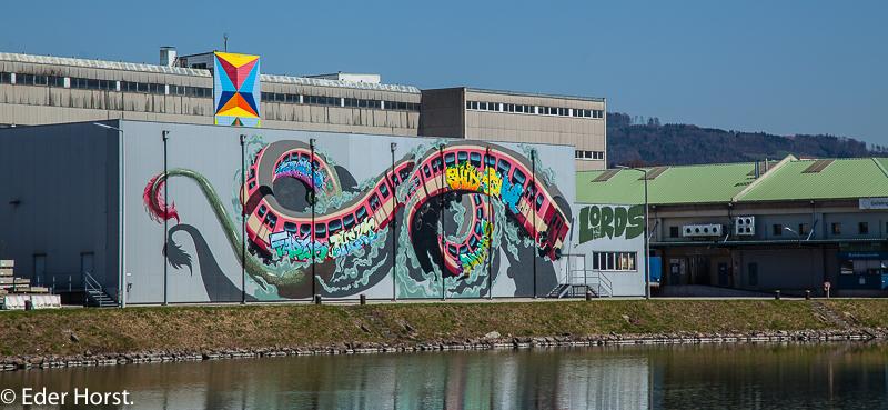 Linzer Hafen unterwegs…Interessante Kunst…