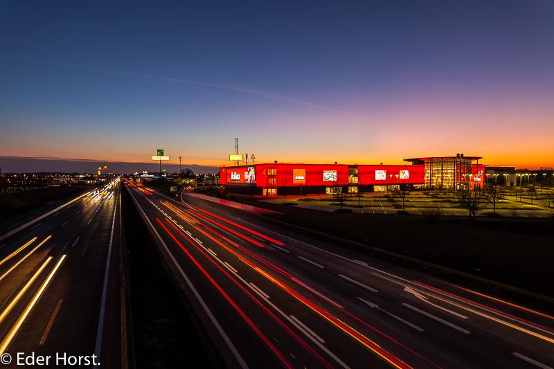Wenn es Nacht wird bei der Autobahn…