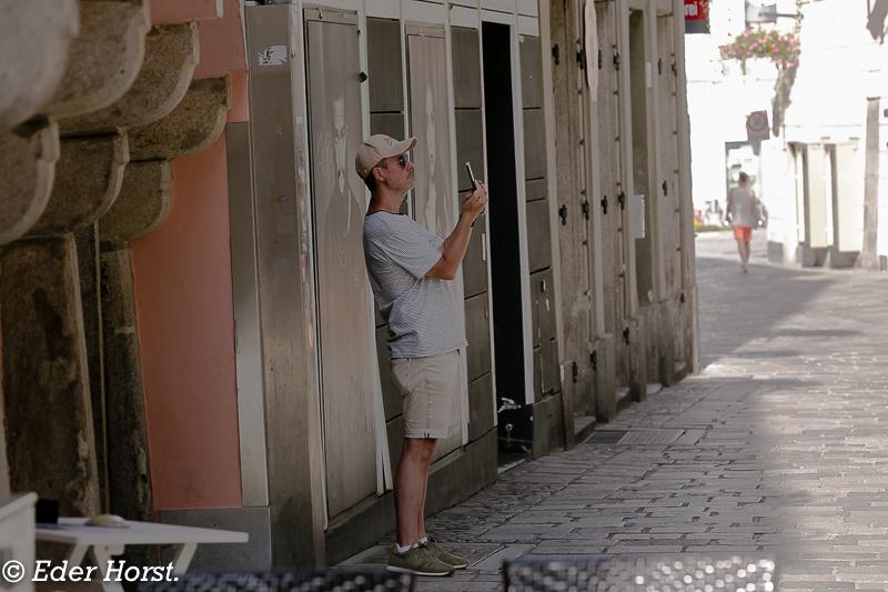 Beobachten…Sehen – nicht gesehen werden…In Linz Unterwegs…