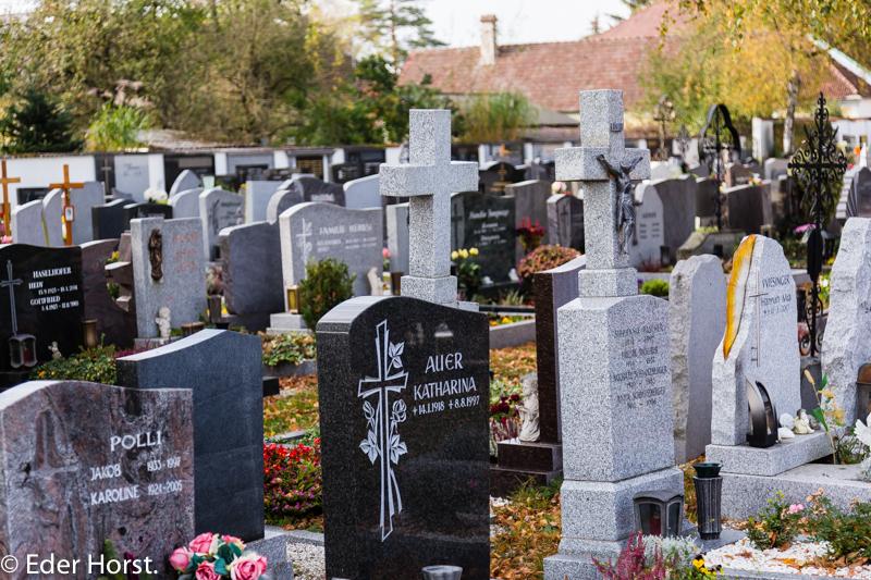 Motivsuche beim  Friedhof in Alkoven