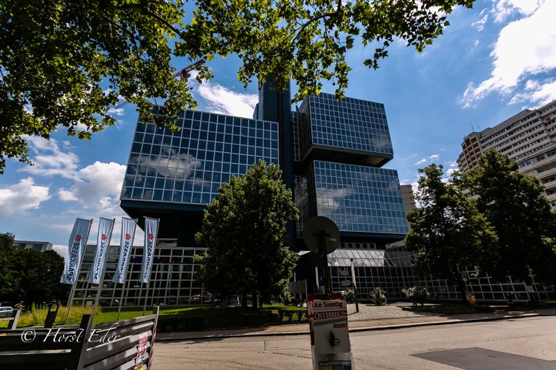 Sparkassa Linz Urfahr…..Ein Glaspalast..