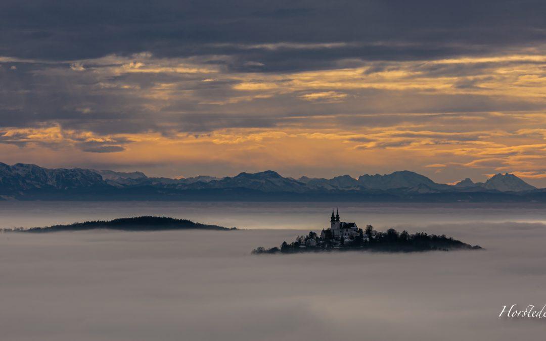 Über dem Nebelmeer …..Blick in die Alpen….